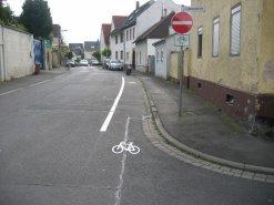 Neue Markierung in der Seebornstraße