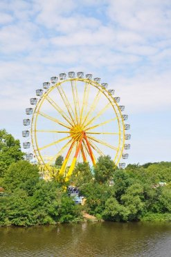 Riesenrad auf dem Aschaffenburger Volksfest