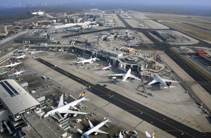 Luftbildaufnahme Flughafen Frankfurt am Main