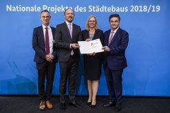 Urkundenverleihung in Berlin