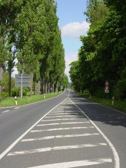 Darmstädter Straße stadteinwärts fotografiert