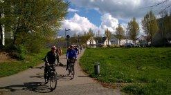 Mitglieder des Stadtrates beim Radfahren