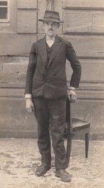 Foto von Theodor Schrage, der wegen Fahnenflucht gesucht wurde (aus: SSAA SBZ I 2314)