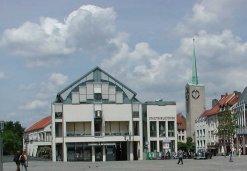 Stadtbibliothek auf dem Schloßplatz