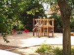 Holzspielgerüst auf dem Spielplatz Südring / Dunzerstraße